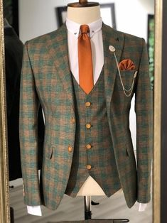 Collection : Spring - Summer : Slim-Fit plaid suit vest khaki Color code : KHAKİAvailable Size : material : viscon , polyester , elestan Machine washable : No Fitting : slim-fit Cutting : double slit, double button Remarks : Dry Cleaner Plaid Suit, Suit Vest, Kingston, Mode Costume, Designer Suits For Men, Slim Fit Suits, Winter Fashion Boots, Winter Boots, Style Outfits