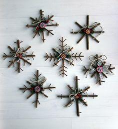 DIY Rustic Snowflakes, tutorial: http://www.littlethingsbringsmiles.com/2010/12/rustic-snowflake-tutorial.html