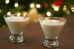 Recipe for Coquito (Puerto Rican Eggnog) - So good!the coqui is a frog in Puerto Rico) Fun Cocktails, Cocktail Drinks, Fun Drinks, Yummy Drinks, Cocktail Recipes, Beverages, Drink Recipes, Yummy Recipes, Alcoholic Drinks