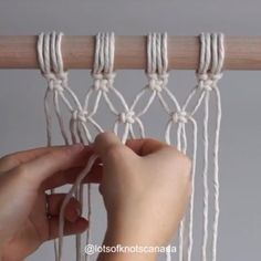 ✨Starting your work with square knots!✨⁣ ⁣ On Monday I showed you one way to start your wall hanging. Start with a base… Macrame Design, Macrame Art, Macrame Projects, Macrame Supplies, Macrame Wall Hanging Patterns, Macrame Patterns, Decoration Evenementielle, Rope Crafts, Succulent Wall