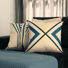 A almofada Urban Deco faz parte da coleção Art Deco Lolahome, que tem como elementos marcantes a cor dourada e os desenhos geométricos. A elegância e organização visual da estampa torna a almofada Urban Deco uma peça sofisticada e moderna, apesar da sua referência ser este movimento artístico dos anos 20 e 30. A técnica utilizada para estamparia foi o silk com aplicação de foil dourado. Shop online > http://www.lolahome.com.br/almofada-urban-deco-430.aspx/p