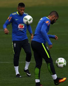 #RIO2016 Brazilian footballers Neymar and Gabriel take part in a training session ahead of the Rio 2016 Olympic Games at the Granja Comary sports complex in...