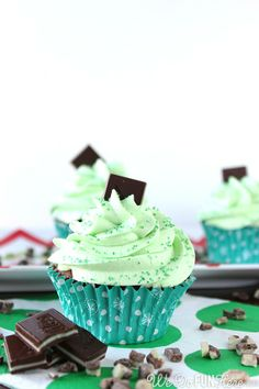 Rich Chocolate Cupcakes with Mint Buttercream Frosting. Festive #Christmas #cupcakes from We do Fun Here
