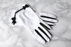 20s Style Vintage Nylon Gloves • Evening Opera Gloves • White Bridal Gloves • Bow Gloves • Charleston Flapper • Dents Gloves • Jazz Hands. 6 by Venelle on Etsy