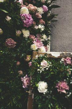 Handmade flower crown from Vienna. ❤ Exclusive custom made wedding crowns for brides ❤ Blumenkranz handgemacht in Wien anfertigen lassen. Handmade Flowers, Flower Crown, Flower Decorations, Floral Wreath, Wreaths, Bride, Plants, Wedding, Home Decor