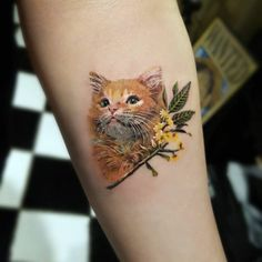 We rounded up some of the most beautiful cat tattoos created by seriously skilled tattoo artists to express the profound love people have for their felines. Cute Cat Tattoo, Cute Tattoos, Beautiful Tattoos, Girl Tattoos, Tiny Cat Tattoo, Awesome Tattoos, Frog Tattoos, Flower Tattoos, Tattoos To Honor Mom