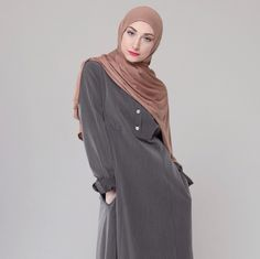 Modelling en Develop by IZZA for a Stylish and Modest Fit