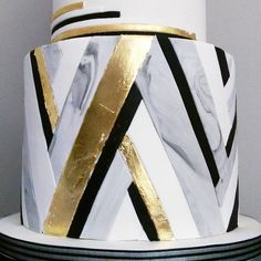 //Pattern// One of my favourite patterns from recently. Gold leaf, monochrome and marble. <3 #cakedesign #artdeco