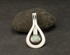 Opaal ketting Opal hanger in zilver ketting met opaal door Artulia