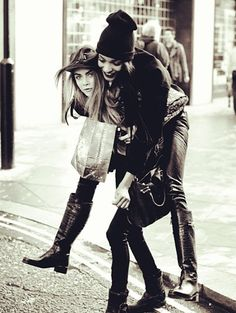 #JourdanDunn and #CaraDelevigne Model Love