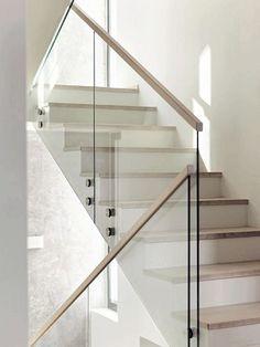Glass Stairs Design, Staircase Interior Design, Home Stairs Design, Wooden Staircase Railing, Stair Railing Design, Glass Railing, Concrete Stairs, Modern Stairs, Bathroom Design Luxury