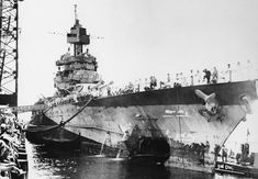USS Maryland in Pearl Harbor Navy Yard, 10 July showing torpedo damage she sustained during the battle of Saipan Naval History, Military History, Uss Maryland, Battle Of Saipan, Us Battleships, Us Navy Ships, Pearl Harbor Attack, Armada, United States Navy