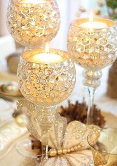 35 Gold Thanksgiving Décor Ideas | DigsDigs