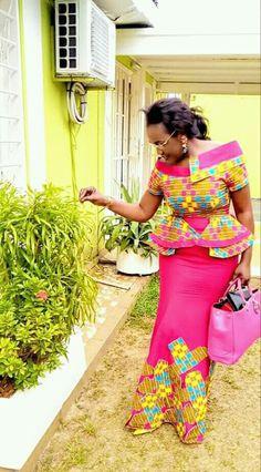 African fashion which looks stunning! African Maxi Dresses, African Fashion Ankara, African Fashion Designers, African Dresses For Women, African Print Fashion, African Women, Ghanaian Fashion, African Wedding Attire, African Attire