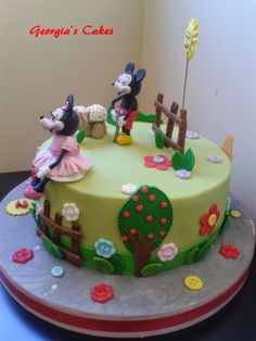 georgia´s cakes: MIKEY Y MINIE PARA SARA