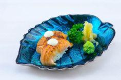 火炙三文鱼手握 Fire Grilled Salmon Nigiri-Sushi