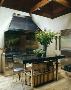 home decor ideas kitchen Black Kitchens, Home Kitchens, Home Depot Tiny House, Modular Outdoor Kitchens, Mr Price Home, Diy Christmas Decorations For Home, Home Decor Vases, Home Decor Online, Small Living Rooms