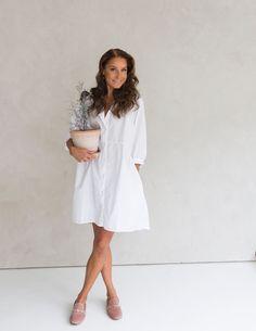 35 TAPAA HARJOITTAA KIITOLLISUUTTA Minimal Chic, Coaching, White Dress, Classy, Thoughts, Life, Dresses, Style, Fashion