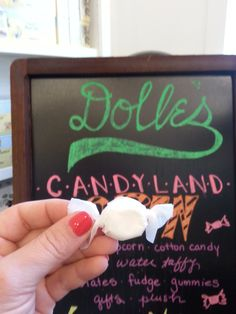 Homemade salt water taffy from Dolle's in Ocean City is amazing!  Love the chocolate flavor. #ocmd