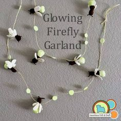 DIY felt firefly garland from American Felt and Craft Felt Diy, Felt Crafts, Diy Crafts, Firefly Mobile, Fireflies Craft, Felting Tutorials, Animal Projects, Girls Camp, Felt Animals