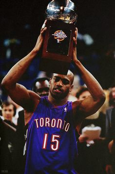 Vince Carter winning the slam dunk contest in 2000 with the Toronto Raptors. My favorite dunk contest of all time by the way.