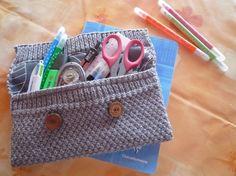 Trousse au tricot pour ranger crayons ou autres, gris