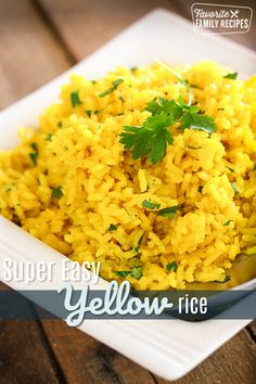 This Easy Yellow Rice side dish complements just about any meal! You can make this on the stove-top or in the rice cooker. So tasty! via This Easy Yellow Rice side dish complements just about any meal! You can make this on the stove-top or in th Yellow Rice Recipes, Easy Rice Recipes, Side Dish Recipes, Healthy Recipes, Yellow Rice Pilaf Recipe, Recipes Dinner, Jasmine Rice Recipes, Tasty White Rice Recipe, Greek Yellow Rice Recipe