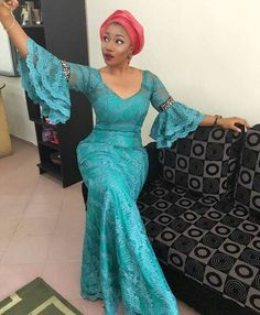 Aso Ebi Styles With This Trending Lace Designs-amillionstyles African Lace Styles, African Lace Dresses, Latest African Fashion Dresses, African Dresses For Women, African Print Fashion, African Attire, African Wear, African Women, African Prints