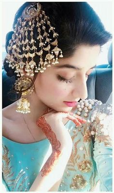 56 Ideas Pakistani Bridal Headpiece Jewelry For 2019 Asian Bridal Jewellery, Pakistani Jewelry, Bridal Jewelry, Pakistani Clothing, Desi Wedding, Wedding Wear, Wedding Bride, Wedding Dresses, Headpiece Jewelry