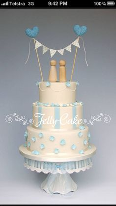 Engagement cake - 2 tiers. Cute top