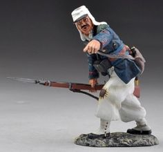 French Foreign Legion CLUB015 Legionnaire Advancing Pointing - Made by Thomas Gunn Military Miniatures and Models. Factory made, hand assembled, painted and boxed in a padded decorative box. Excellent gift for the enthusiast.