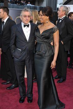 La alfombra roja de los Oscar 2013. Robert De Niro y su mujer Grace Hightower.