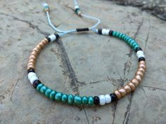 Beaded unisex anklet :) Beautiful for everyday, adjustable with macrame knot and waterproof. Beach Jewelry, Jewelry Gifts, Beach Anklets, Night Out Outfit, Anklet Bracelet, Woman Beach, Summer Accessories, Macrame, Turquoise Necklace