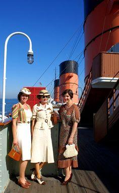 If I ever have to go on a cruise, this is how I'm dressing...