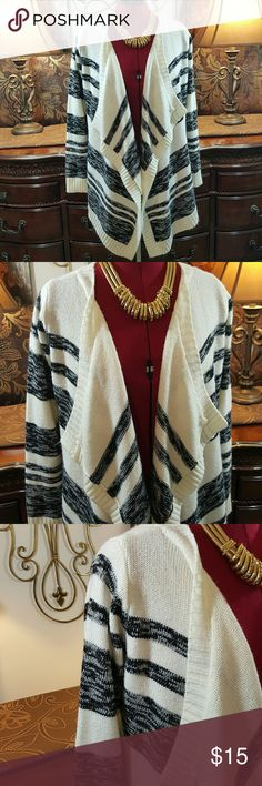 Charlotte Russe Cardigan size M Charlotte Russe Cardigan size M...in great condition ..please see pictures for overall condition Charlotte Russe Sweaters Cardigans