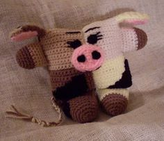 Creametta Moolove Funmigurumi Cow, free crochet pattern by Crafty Begonia