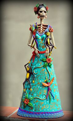 "Mexico ""Day of the Dead"" Frida Kahlo Catrina figurine Frida E Diego, Frida Art, Mexico Day Of The Dead, Day Of The Dead Skull, Diego Rivera, Arte Latina, Sugar Skull Art, Sugar Skulls, Candy Skulls"