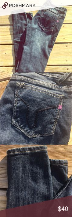 NWOT VIGOSS SKINNIES Worn once. No stains or flaws at all. Bottoms have no wear. Inseam is 31 in. Vigoss Jeans Skinny