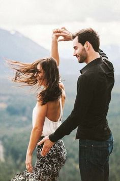 Engagement Photos the dance. - Well, folks, it seems pretty safe to say that Desiree Hartsock and Chris Siegfried have proven naysayers wrong. Photo Couple, Love Couple, Couple Shoot, Couple Goals, Perfect Couple, Engagement Couple, Engagement Pictures, Engagement Shoots, Wedding Engagement