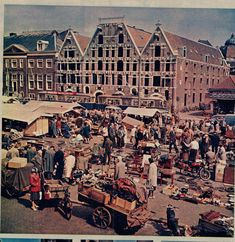 amsterdam ,old pictures and postcards Amsterdam City Centre, Amsterdam Holland, Holland Netherlands, New Amsterdam, Old Pictures, Old Photos, European Countries, Best Cities, Paris Skyline