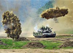 Ejercicios militares con tanque en Corea del Sur