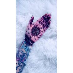 🌸 #mehndi #henna #hennaart #hennatattoo #mehnditattoo #mehndiart #tattoo #mandala #mandalatattoo #ķekava #kekava #latvija #palmtattoo #latvianartist #madeinlatvia #inked #handinside #plauksta #ink #tiesnieceart #eyebeka #stigmata Mehndi Tattoo, Henna Tattoos, Mehndi Art, Henna Art, Mandala Tattoo, Palm Tattoos, Ink, Instagram Posts, Artist