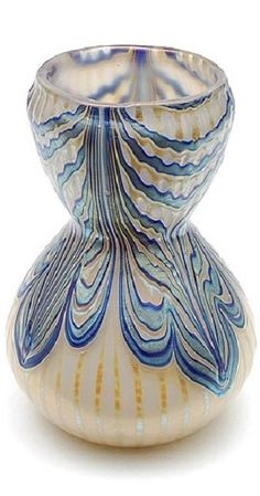 Multi coloured glass vase, executed by Joh. Loetz Witwe, Bohemia ca.1920