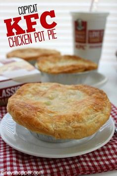 If you are a fan of pot pies you are going to love this CopyCat KFC Pot Pie Recipe. My kiddos and hubby LOVE KFC Pot Pies. I love KFC too but… Kfc Chicken Pot Pie Recipe, Chicken Recipes, Baked Chicken, Chicken Pot Pies, Kfc Gravy Recipe, Homemade Chicken Pot Pie, Recipe Recipe, Turkey Recipes, Sweets