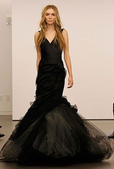 Top 10 Wedding Gowns for Fall 2012 - Vera Wang - Stunning Cheap Wedding Dresses Non White Wedding Dresses, Gorgeous Wedding Dress, White Bridal, Best Wedding Dresses, Beautiful Dresses, Trendy Wedding, Vera Wang Bridal, Vera Wang Wedding, Black Bride