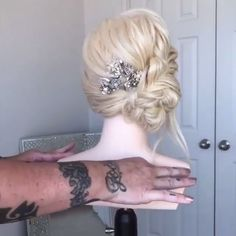 50 Glam Updo Styles For Wedding! 50 Glam Updo Styles For Wedding! Do you wanna see more fab hairstyle ideas and tips for your wedding? Then, just visit our web site babe! Bun Hairstyles, Pretty Hairstyles, Wedding Hairstyles, Hairstyle Ideas, Easy Hairstyle, Hairstyles 2018, Curly Hair Updo, Curly Hair Styles, Updo Styles