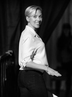 Scarlett Johansson Photos - This image has been altered digitally) Scarlett Johansson seen backstage during rehersals for the 2015 Oscars at the Dolby Theatre at Hollywood and Highland on February 19, 2015 in Hollywood, California. - Oscars Rehearsals
