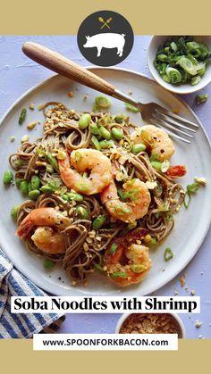 Shrimp Recipes, Salmon Recipes, Asian Recipes, Asian Foods, Oriental Recipes, Noodle Recipes, Ethnic Recipes, Spoon Fork Bacon, Healthy Dinner Recipes