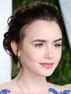 Lily Collins' top 10 hair and makeup looks: Vanity Fair Oscar party, 2012 http://beautyeditor.ca/2013/10/02/lily-collins-makeup-and-hair/