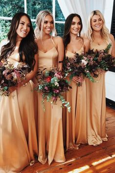 ▷ 1001 + ideas for stunning gold bridesmaid dresses - four women, in satin dresses, spaghetti straps, vintage bridesmaid dresses, colourful flower bouquets Source by - Vintage Bridesmaid Dresses, Bridesmaid Dresses With Sleeves, Gold Bridesmaids, Wedding Party Dresses, Bridesmaid Ideas, Fall Wedding Bridesmaids, Gold Brides Maid Dresses, Wedding Dresses For Bridesmaids, Bridesmaid Dresses Long Champagne
